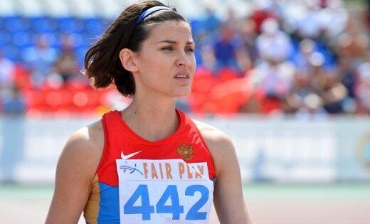 Titulētajai augstlēcējai Čičerovai jāšķiras no Pekinas olimpisko spēļu medaļas