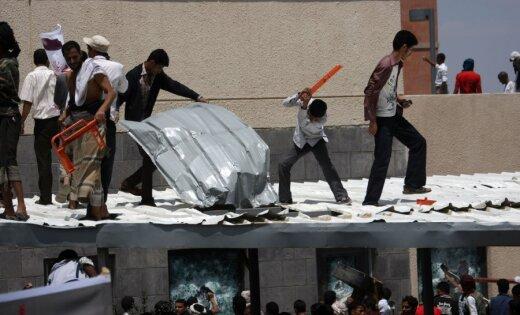 Protestētāji iebrūk ASV vēstniecībā Jemenā