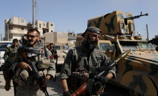 ASV koalīcija Sīrijā apturējusi režīmu atbalstošo spēku uzbrukumu