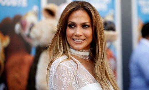 СМИ приписали 47-летней Дженнифер Лопес беременность