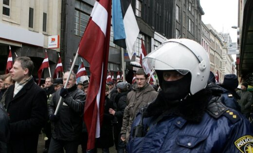 Ритуал или театр? Трагедия или фарс? Как в Латвии до сих пор отмечали 16 марта