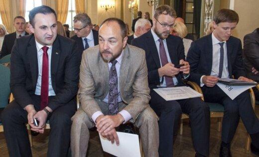 """Успех """"националов"""": Сейм согласился обсудить запрет ВНЖ для россиян"""
