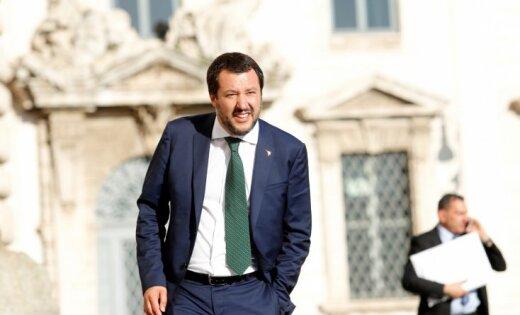 Itālija vairs nebūs Eiropas bēgļu nometne, pauž Salvīni