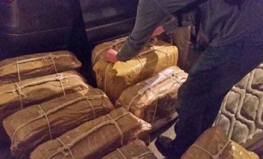 """СМИ нашли """"латвийский след"""" в контрабанде кокаина из Аргентины в Россию"""