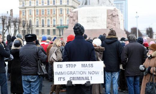 http://g3.delphi.lv/images/pix/520x315/YFbRBiF0GzQ/mass-protest-47033853.jpg
