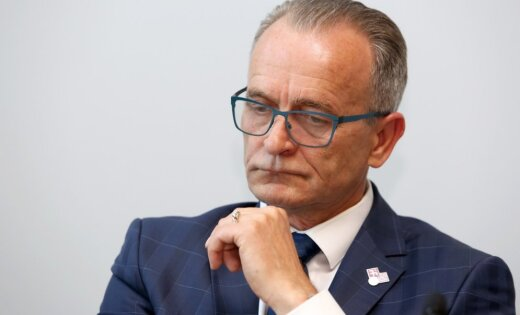 На середине дискуссии об отставке министра юстиции Сейм прервал заседание до 20 июня