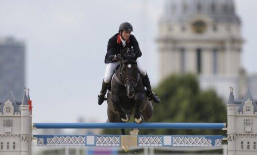 Lielbritānijas jātnieki iegūst olimpisko zeltu konkūrā