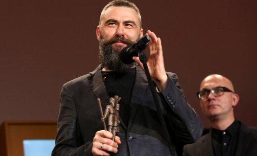 Kairišs 'Lielā Kristapa' uzvaras runā aicina atvērt čekas maisus