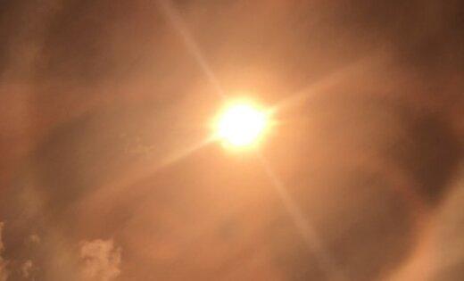 Foto: Lasītājs debesīs pamana krāšņu Saules halo