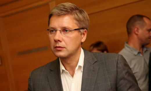 Tiesa Ušakovam piemēro 200 eiro sodu par neierašanos sniegt liecības