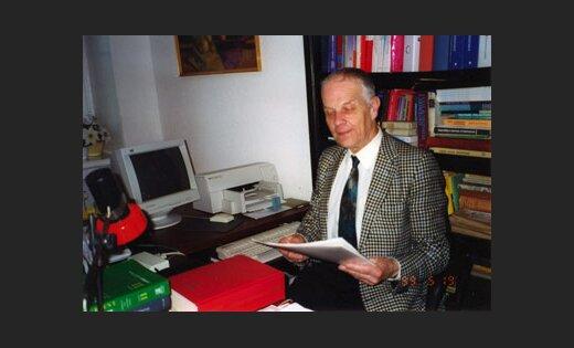 LU MF asoc. prof. Enoks Biķis, pediatrs