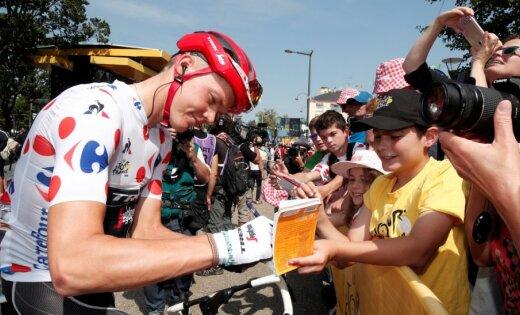 Skujiņš saglabā 'Tour de France' kalnu karaļa kreklu; garākajā posmā uzvar Grūenvegens