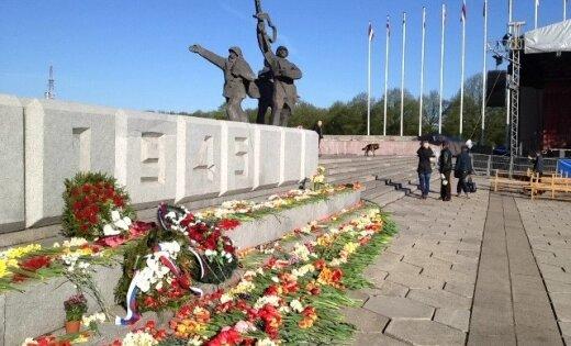9 мая около Памятника Освободителям в Риге выступит Гарик Сукачев
