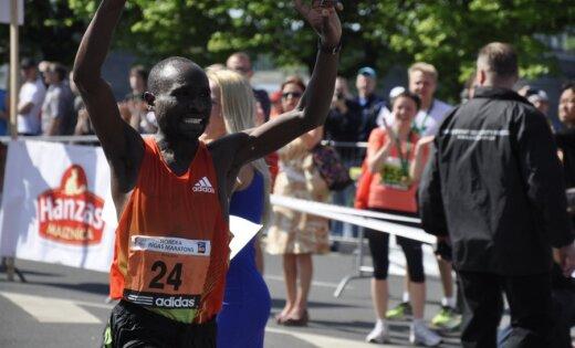 Kenijas skrējējs Kipkorirs un Aleksandrova no Krievijas uzvar Rīgas maratonā