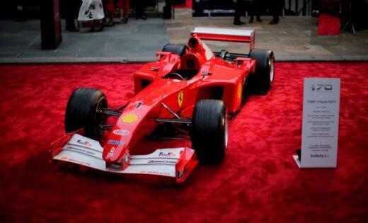 Чемпионский болид Шумахера «Феррари» F2001 продан за USD 7,5 млн нааукционе