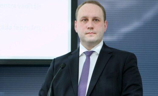 Krieviņa aiziešanu neoficiāli skaidro arī ar KNAB saistītajiem jautājumiem