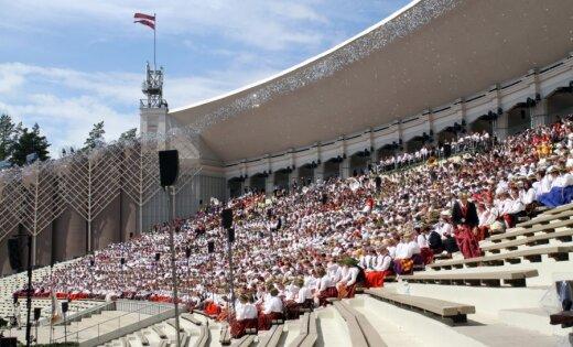 Simtgades Dziesmu un deju svētku biļetes maksās līdz 65 eiro