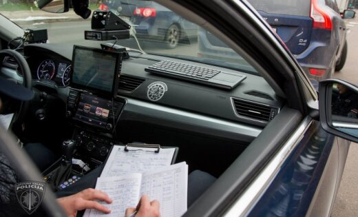 Kārsavas novadā dzērājšoferis ar 500 eiro mēģina 'atpirkties' no policijas