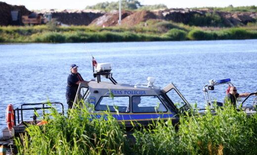 Представитель яхтклуба рассказал подробности о пожаре катамарана в Риге