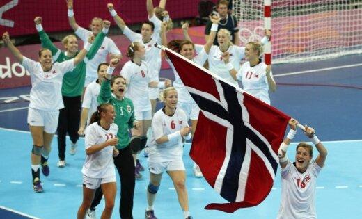 Norvēģijas handbolistes triumfē otrajās olimpiskajās spēlēs pēc kārtas