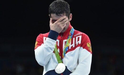 Русских штангистов в изучении допинга проверят наполиграфе