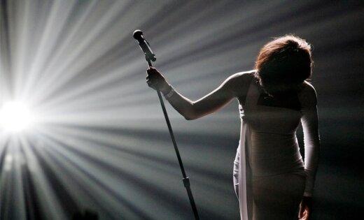 10 slavenākās Vitnijas Hjūstones dziesmas