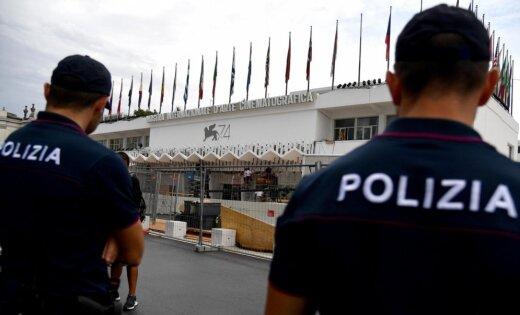 Itālijā ap 200 žurnālistu atrodas policijas aizsardzībā