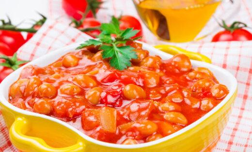 Pupiņu salāti tomātu mērcē ziemai