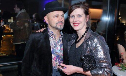 Foto: Pirmizrādi piedzīvo latviešu seksa komēdija 'Svingeri'