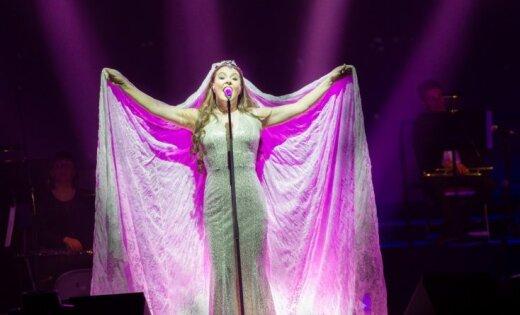 ФОТО: В Риге с концертом выступила Сара Брайтман