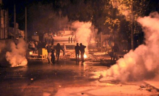 Reaģējot uz protestiem, Tunisijas valdība paziņo par sociālajām reformām