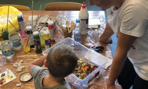 Starptautiskās laikmetīgās mākslas biennāle svētdienās organizēs radošās darbnīcas ģimenēm