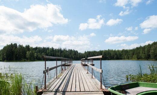 Upēs un ezeros pagaidām saglabājas līdz +24 grādiem silts ūdens
