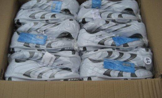 Польша: из Латвии везли 22000 пар подозрительной обуви