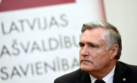 Яунслейнис: самоуправлениям грозят убытки из-за идеи Минблага поддержать бедных