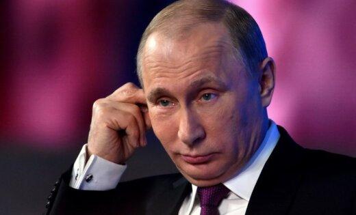 Еврокомиссар: договоренностям в отношениях с Россией сложно доверять