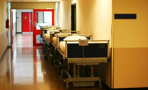 Trīs Zolitūdes traģēdijā cietušie turpinās atlabt 'Vaivaros'; slimnīcā vēl 13 cilvēki