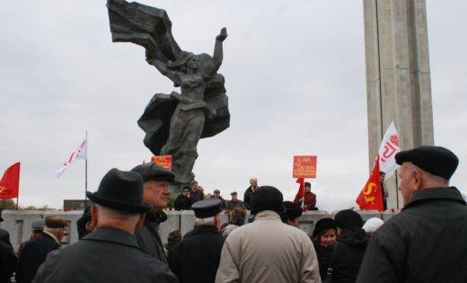 Neviens piemineklis Rīgā nojaukts netiks, uzsver mērs Ušakovs