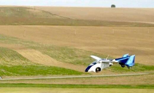 Video: Slovāki prezentējuši ražošanai gatavu lidojošo automobili