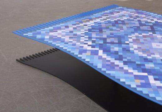 Izgudrots kafijas galdiņš, kas 'lido' kā paklājs