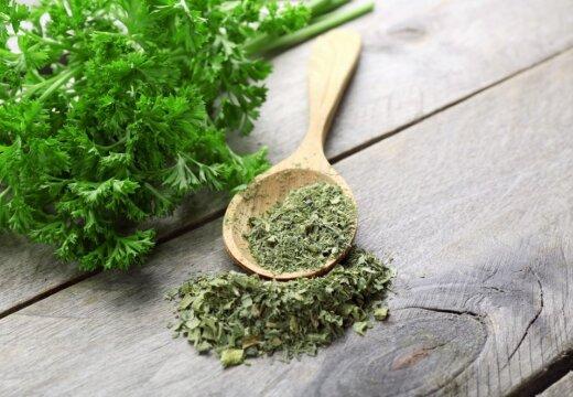 Всегда ли зелень на пользу: плюсы и минусы травки-зеленушечки