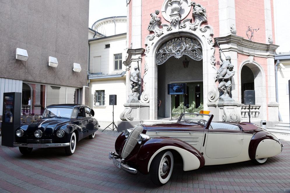 Рижский мотормузей показал два новых эксклюзивных авто — Tatra 87 и кабриолет Steyr220