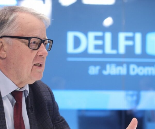 'Delfi TV ar Jāni Domburu' atbild Guntis Ulmanis. Pilns sarunas teksts
