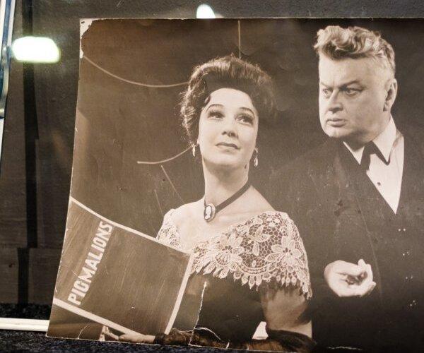 Latvijas skatuves un ekrāna karalienei Elzai Radziņai – 100. Stāsti un fakti