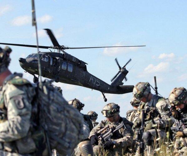 Stipra armija, obligātais dienests, gatavība hibrīdkaram – top jaunā Valsts aizsardzības koncepcija