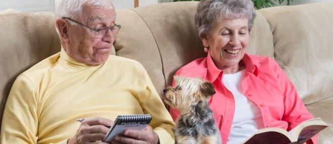 Īsas pastaigas un milzu mīlestība – senioriem piemērotākās suņu šķirnes