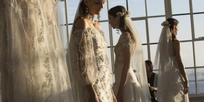 Baltā nokrāsas un izsmalcinātas detaļas – ieskats Ņujorkas kāzu modes nedēļā