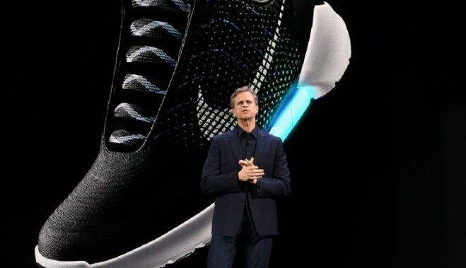 Nike представила новые кроссовки, которые зашнуровываются через приложение на смартфоне