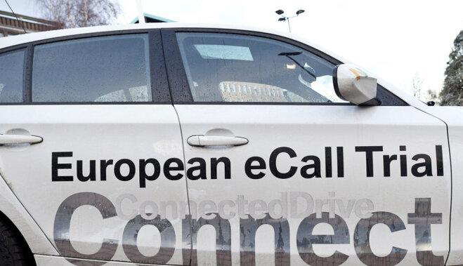 С 1 октября жизни попавших в Латвии в ДТП людей спасает eCall. Что надо о ней знать?
