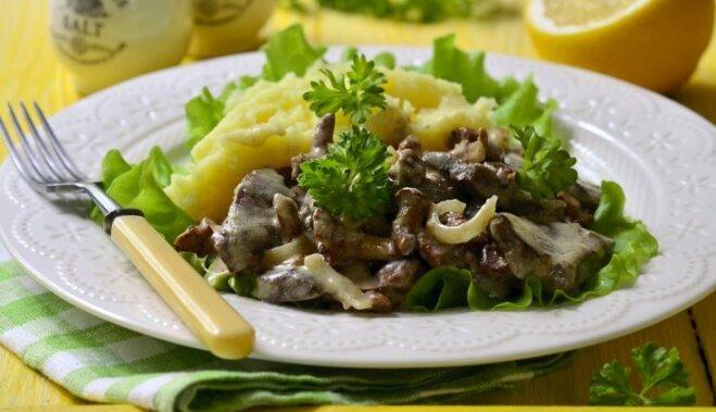 Вкусный бефстроганов из печени с плавленым сыром